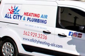 vinyl vehicle graphics and lettering